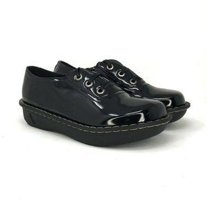 Fuel Women's Black Patent Leather Creeper Sneakers